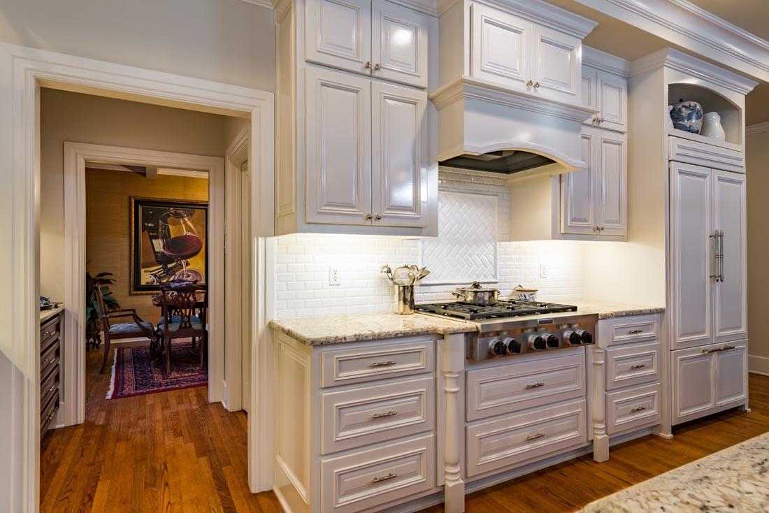 Cozy Cottage Kitchen 5