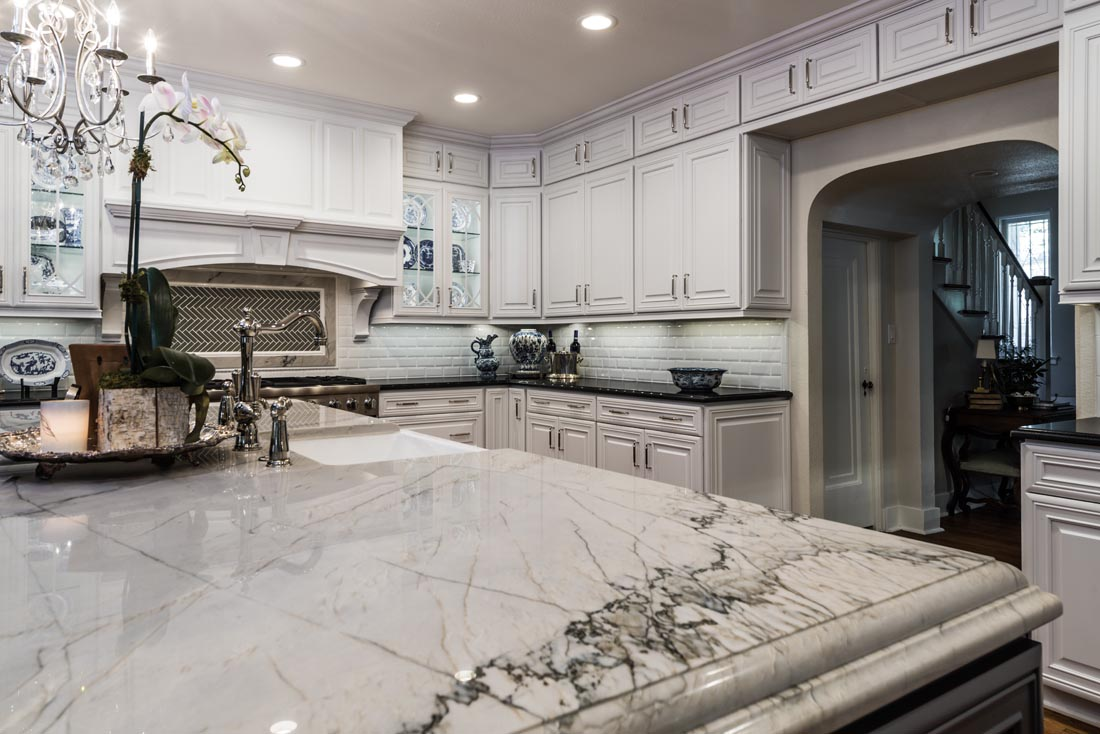 Upscale Luxurious Kitchen 4