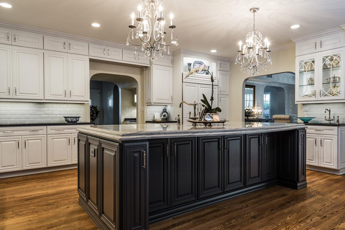 Upscale Luxurious Kitchen 3