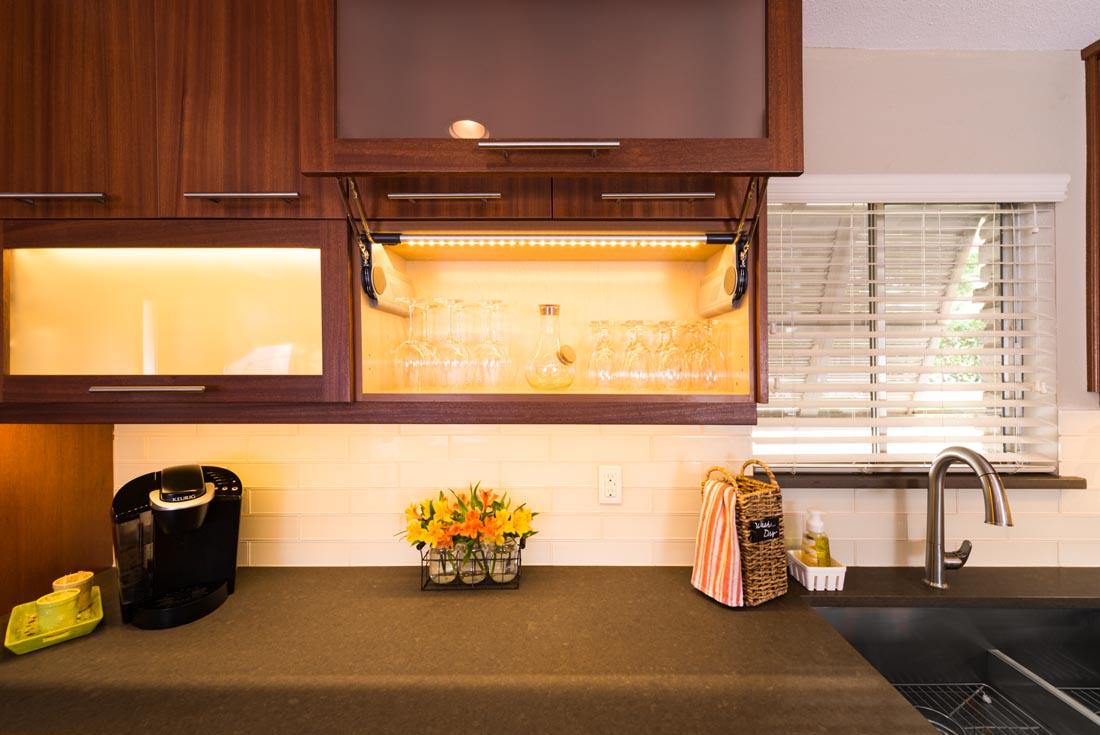 Contemporary Sleek Kitchen 6